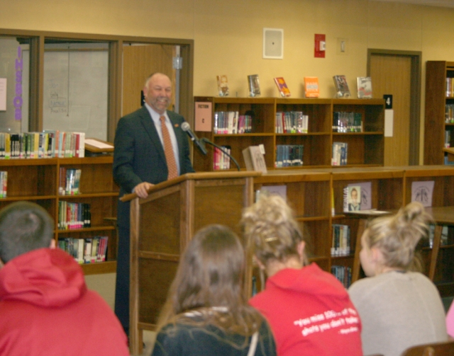 ISU President Steven Leath answers questions from MHS juniors and seniors Tuesday, Nov. 19.
