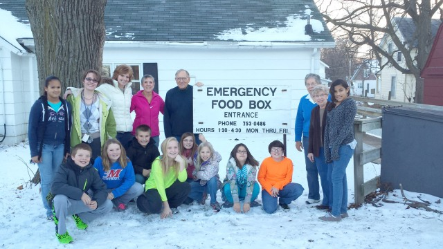 RICOCHET students from Lenihan deliver 851 non-perishable food items to the Emergency Food Box.